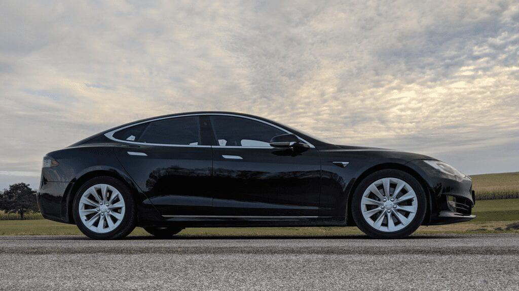 MOXIE-TESLA-ELECTRIC-VEHICLES-VERV-1