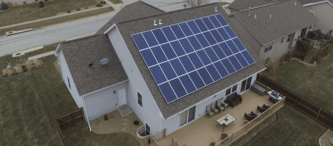 huge-rooftop-residential-solar-system.png